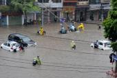 Những lưu ý khi lái xe qua đường ngập nước trong vùng bão
