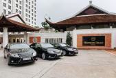 Soi loạt xế sang Lexus ES 350 đón khách VIP tại Hà Nội