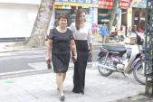 Lã Thanh Huyền đưa mẹ đi dự sự kiện