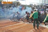 Giải đua xe máy lớn nhất VN khởi tranh với những cảnh thót tim