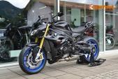 Ngắm nakedbike BMW S1000R