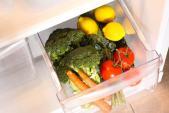 Tiêu chảy, đau bụng vì vi khuẩn thường trú trong khay rau tủ lạnh