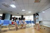 Công ty Trung Quốc thuê hot girl giải tỏa cho lập trình viên