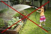 Tránh xa những lỗi mẹ hay mắc để tiết kiệm nước trong nhà
