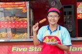 Bà chủ kiosk Five Star phấn khởi với công việc kinh doanh