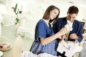 Mẹo tiết kiệm chi phí cho các cặp vợ chồng chuẩn bị sinh con