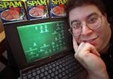 Vua spam Facebook đối diện với án tù 3 năm, nộp phạt 250.000 USD