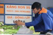 Giá xăng không thấp do lo ngại… buôn lậu