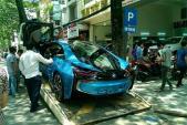 Soi siêu xe BMW i8 tiền tỷ của thiếu gia U18 Hà Nội