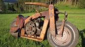 Cận cảnh môtô gỗ có một không hai