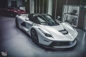 """Siêu ngựa Ferrari LaFerrari """"trắng tinh khôi"""" đầy mê hoặc"""