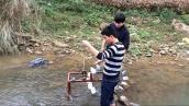Học sinh miền núi chế tạo guồng nước phục vụ dân bản