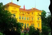 Tại sao nhiều tòa nhà cổ ở Việt Nam sơn màu vàng?