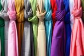 Video: Những cách đeo khăn đơn giản mà đẹp mắt cho thu đông 2015