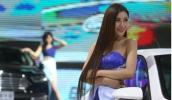 Phớt lờ lệnh cấm, mẫu nữ tràn ngập triển lãm ô tô Trung Quốc