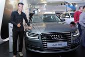 Danh thủ Công Vinh, ca sỹ Đông Nhi khuấy động gian hàng Audi