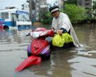 Cách xử lý xe máy số khi bị ngập nước