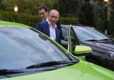 Vì sao Tổng thống Nga hứng thú với xe giá rẻ Lada Vesta?