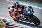 """Soi """"chiến mã"""" siêu mạnh KTM RC16 dành cho MotoGP 2017"""