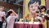 Chủ shop online lập bàn thờ cầu... Jack Ma phù hộ