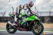 "Nữ biker ""làm xiếc"" trên siêu môtô Kawasaki Ninja ZX-10R"
