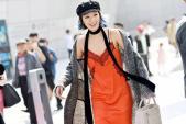 Áo ngủ, váy tua rua vẫn mê hoặc giới trẻ Hàn