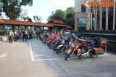 """Dàn xế khủng Harley-Davidson tụ họp """"xếp lốp"""" tại Hà Nội"""
