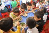 Ngộ độc thực phẩm tại trường học: Lộ diện