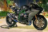 Siêu môtô Kawasaki H2 lên đồ chơi như