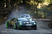"""""""Lác mắt"""" xem Ford Mustang đấu drift với Lamborghini"""