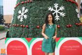 Mix đồ sang trọng và hấp dẫn cho nữ công sở mùa Giáng sinh