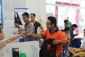 Chỉ sau 3 giờ đầu tiên, 300 phablet Lai Zumbo đã đến tay người dùng