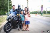 Siêu anh hùng Batman chạy môtô CBR1000RR đi từ thiện