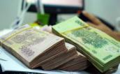 Vì sao lãi suất tiền gửi tăng nhưng lãi suất cho vay khó giả?