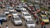 TPHCM: Các hãng taxi rục rịch giảm giá cước vì sợ bị phạt
