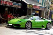 Lamborghini Huracan giá 13 tỷ uống