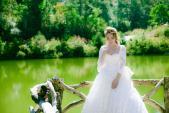 Mỹ Tâm gợi cảm bất ngờ khi mặc váy cưới