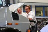 """""""Kẻ hủy diệt"""" bán xe tải khủng Mercedes Unimog giá 7,8 tỷ"""