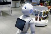 Cửa hàng bán smartphone có toàn bộ nhân viên là robot