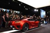 Siêu xe Acura NSX 2017 đầu tiên có giá 1,2 triệu USD