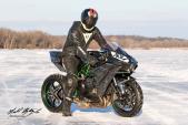"""Siêu môtô Kawasaki H2 sẽ phá kỷ lục """"bốc đầu"""" trên băng"""