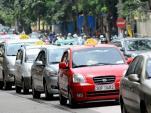 Vì sao giá xăng giảm, cước taxi vẫn