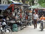 'Siêu trộm' đồ ô tô: Tất cả đều đổ về Chợ Trời