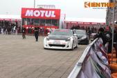 """Bộ đôi ôtô Hyundai và Nissan """"phá lốp khét mù"""" tại Hà Nội"""