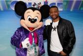 Nghe fan thế giới kể chuyện xem Disney trên băng