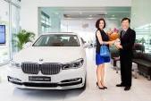 Á hậu doanh nhân Phương Lê sắm xe sang BMW hơn 4 tỷ