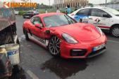 Lái thử, khách Việt đâm nát Porsche Cayman GTS 4,76 tỷ