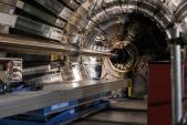 Nga xây dựng máy gia tốc hạt siêu dẫn NICA