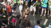Bikini, soóc ngắn đẫm nước ngập tràn phố Thái Lan