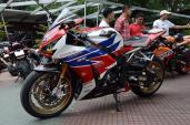 """Honda CBR1000RR """"full đồ chơi"""" trị giá gần 600 triệu tại VN"""